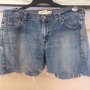 Cut off Levi's shorts